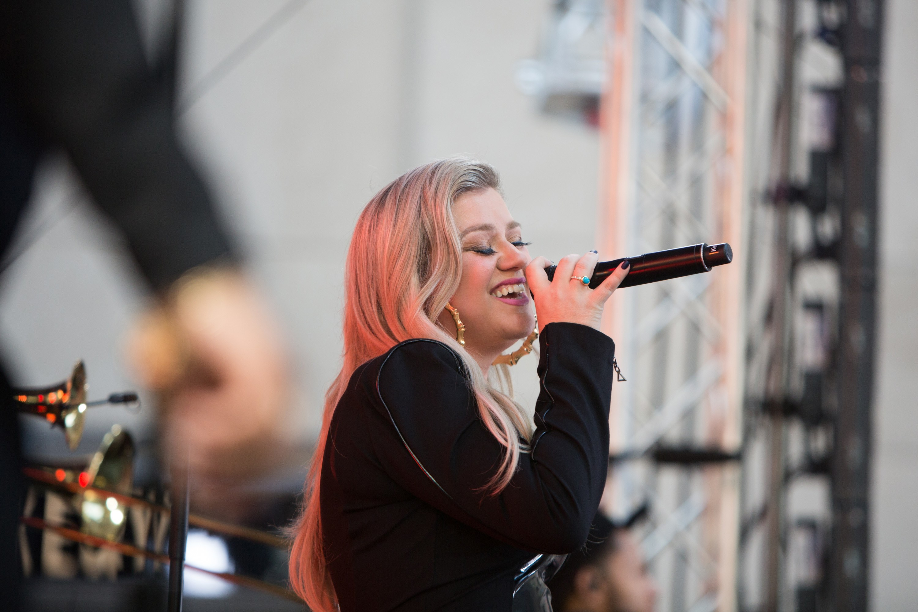 Kelly Clarkson Nailed Her Macy\'s Thanksgiving Day Parade Performance ...